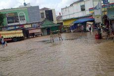 Jalan Raya Bintara Bekasi Tergenang 40 Cm