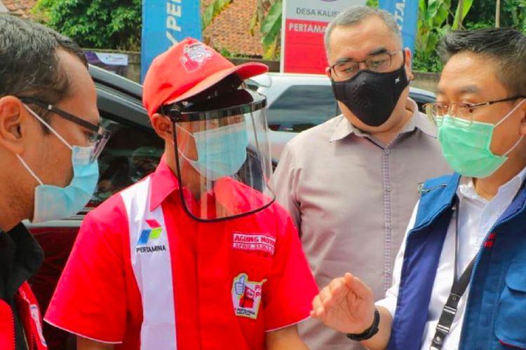 Jajaran direksi Pertamina meninjau pasokan BBM dan LPG di jalur wisata Puncak, Sabtu (26/12/2020).