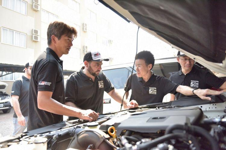 Para pegawai Toyota di seluruh belahan dunia saling bergandengan tangan demi menemukan sebuah jawaban (Dok. Toyota)