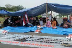 VIDEO: Tenda Protes Petani Kendeng di Seberang Istana Kepresidenan