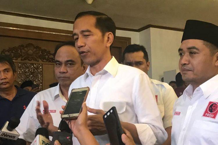 Bakal calon Presiden Joko Widodo menghadiri acara rapat kerja nasional (Rakernas) IV Ormas Pro Jokowi (Projo) 2018, di Hotel Grand Sahid, Jakarta Pusat, Minggu (16/9/2018).