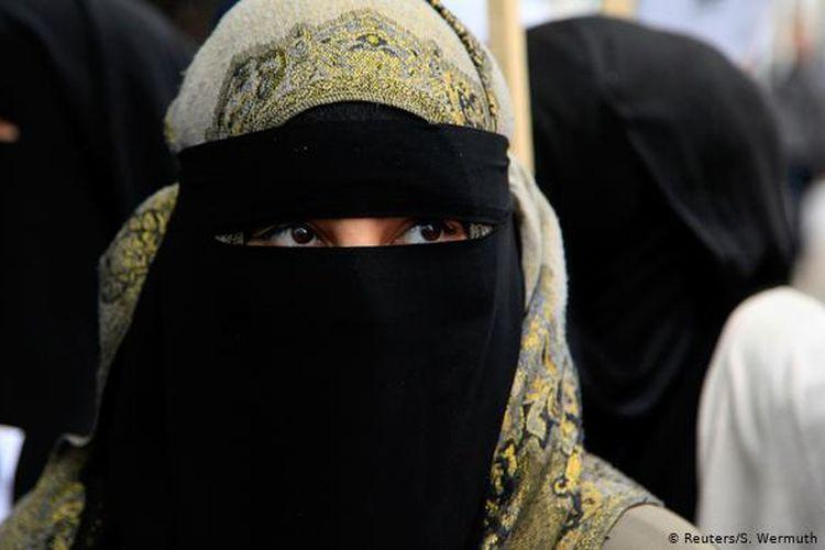 Negara bagian Jerman larang siswi-siswinya memakai niqab dan burka.