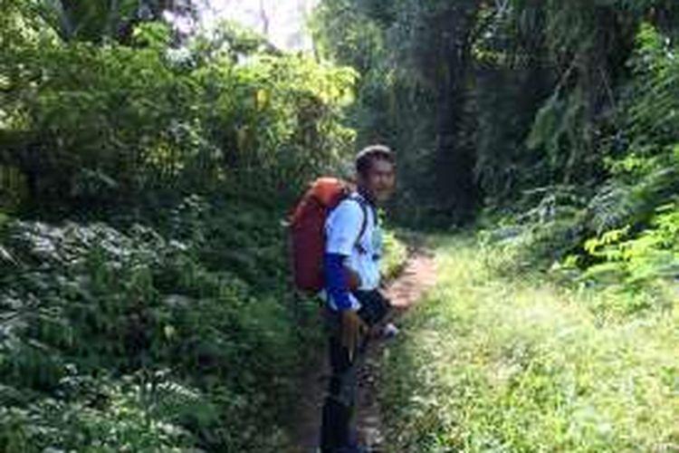 Willem Sigar saat mendaki Gunung Catur, Bali, Selasa (3/5/2016).