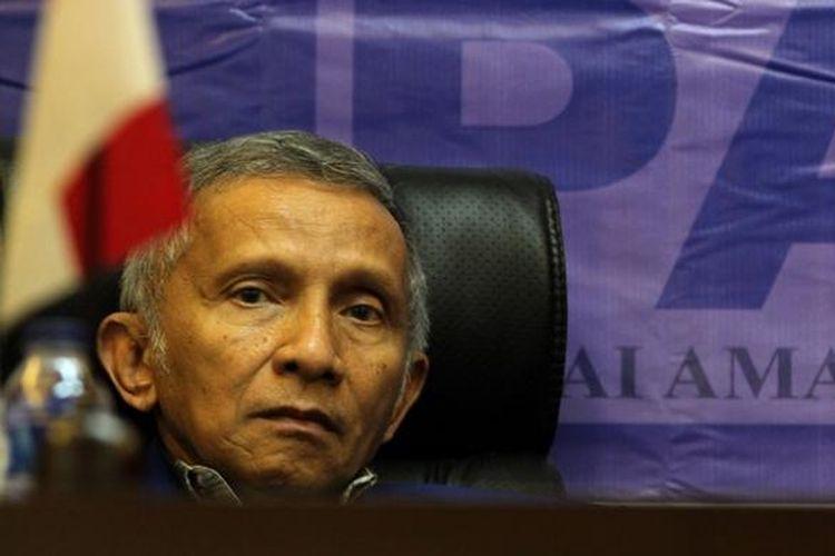 Pendiri dan mantan Ketua Partai Amanat Nasional Amien Rais saat menghadiri Rapa Koordinasi Nasional, di Kantor DPP PAN, Jakarta, Rabu (27/2/2013). Agenda Rakornas PAN kali ini adalah soal pengkaderan partai terkait pemenangan Pemilu 2014.