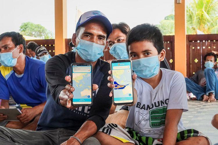 Masyarakat menggunakan aplikasi Laut Nusantara