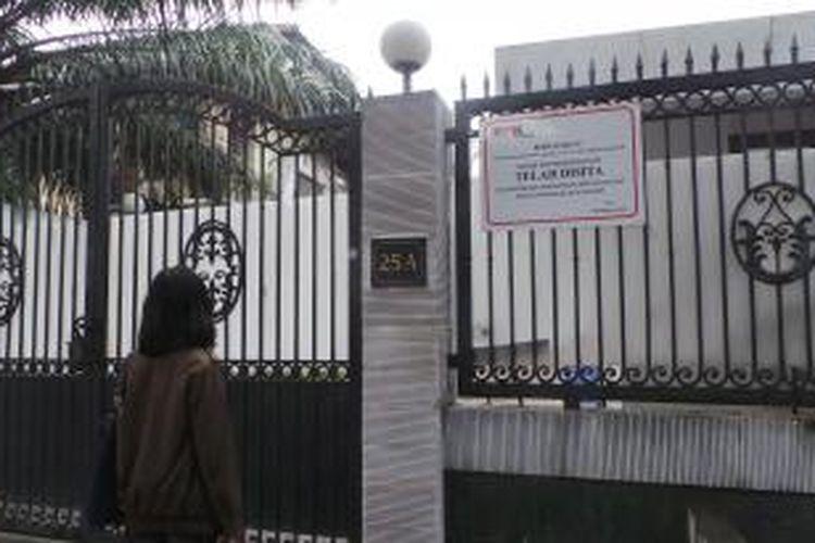 Rumah mewah salah satu aset milik Mantan Bupati Bangkalan di Cipinang Cimpedak, disita penyidik KPK pada Kamis (19/3/2015).
