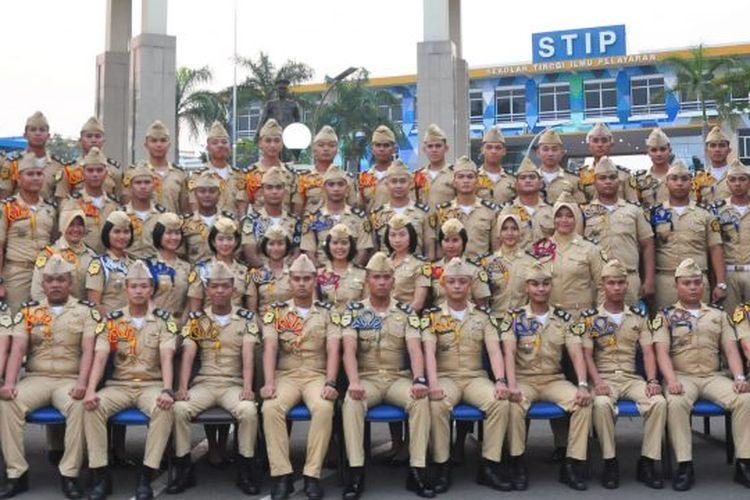 Sekolah Tinggi Ilmu Pelayaran Jakarta adalah salah satu perguruan tinggi kedinasan di Indonesia di bawah naungan Kementerian Perhubungan Republik Indonesia yang dahulu dikenal dengan nama Akademi Ilmu Pelayaran atau Pendidikan dan Latihan Ahli Pelayaran Jakarta.