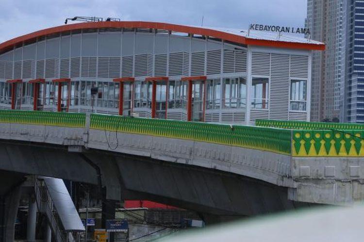 Bentuk fisik halte bus transjakarta pada proyek jalan layang Transjakarta Koridor 13 Ciledug - Tendean di Jakarta, Rabu (18/1/2017). Proyek jalan layang sepanjang 9,3 kilometer tersebut merupakan salah satu upaya mengintegrasikan transportasi umum antarwilayah di DKI Jakarta dan sekitarnya