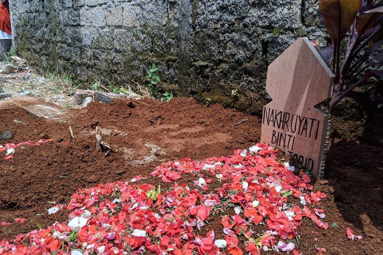 Makam Nahruyati, korban meninggal dunia kecelakaan lalu lintas di Tanjakan Emen, Jawa Barat, Minggu (19/1/2020)