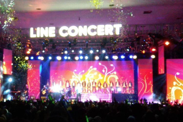 Penampilan Tulus di Line Concert di JEC Sabtu (20/10/2018)