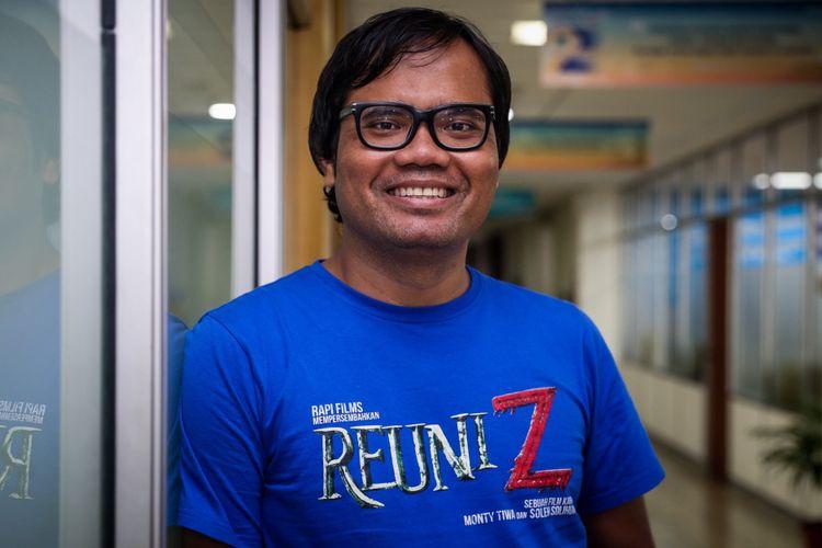 Artis peran Soleh Solihun berpose usai wawancara di kantor redaksi Kompas.com, Palmerah, Jakarta Barat, Rabu (4/4/2018). Film Reuni Z akan tayang di bioskop mulai 12 April mendatang.