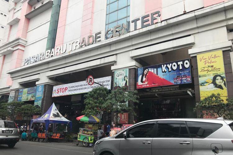 Wajah bagian depan Pasar Baru sekarang di Jalan Otista, Bandung.