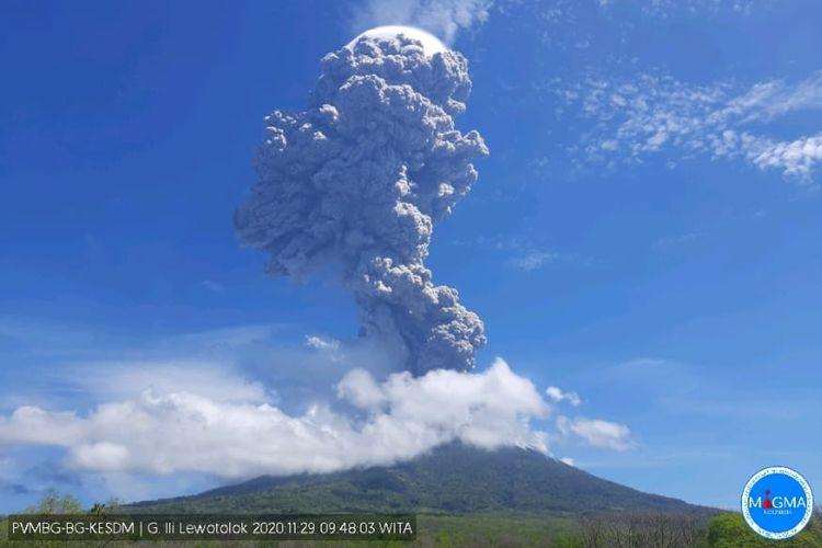 Erupsi Gunung Ili Lewotolok, NTT, Minggu (29/11/2020)