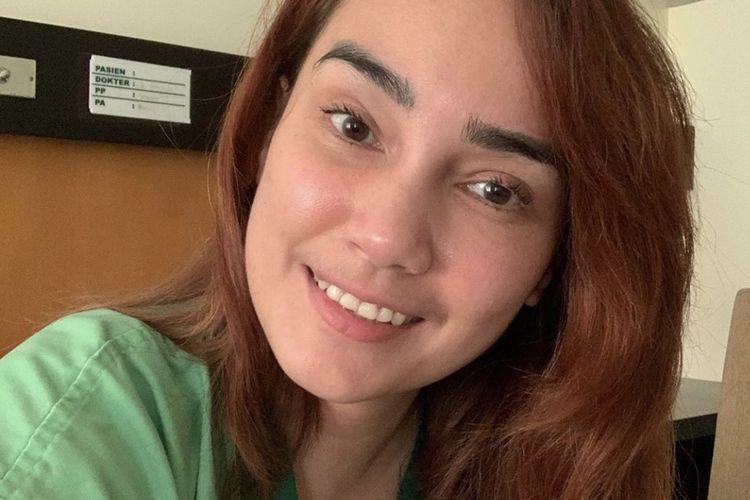 Feby Febiola Baru Berani Cerita Sakit Kanker Setelah Unggah Foto Kepala Botak