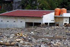 Boediono Kunjungi Lokasi Bencana Banjir di Manado