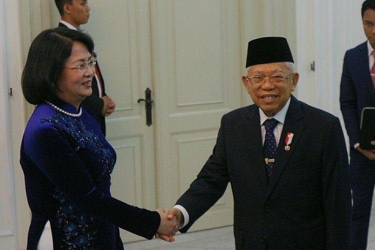 Wakil Presiden Maruf Amin menerima kunjungan Wakil Presiden Vietn Dang Thi Ngoc Thinh di Istana Wakil Presiden, Jakarta, Minggu (20/10/2019)