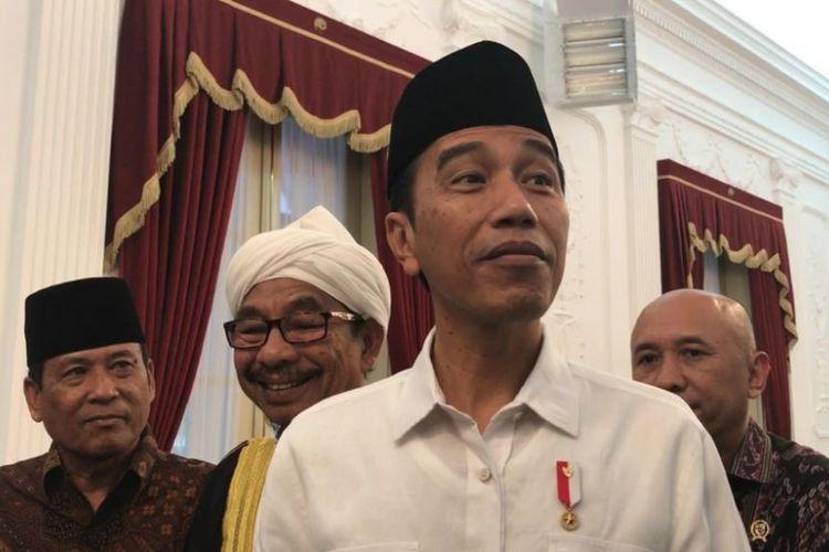 Presiden Joko Widodo saat konferensi pers di Istana Merdeka, Jakarta, Kamis (10/8/2017).