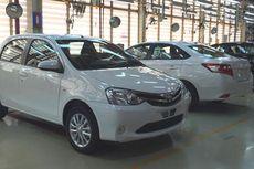 Toyota Etios Valco Surut karena Gagal Fokus