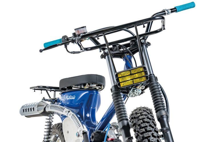 Motor custom Honda CT100 bergaya scrambler garapan Crazy Garage