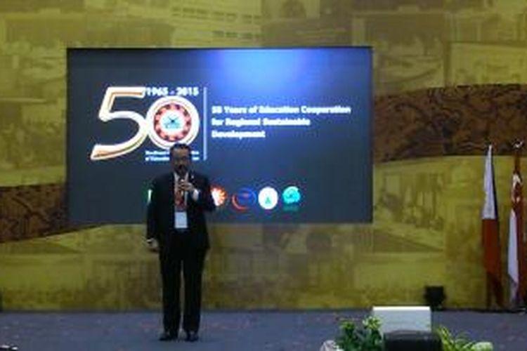 Gatot Hari Priowirjanto dalam pembukaan Perayaan 50 Tahun SEAMEO di komplek kantor Kementerian Pendidikan dan Kebudayaan, Jakarta.