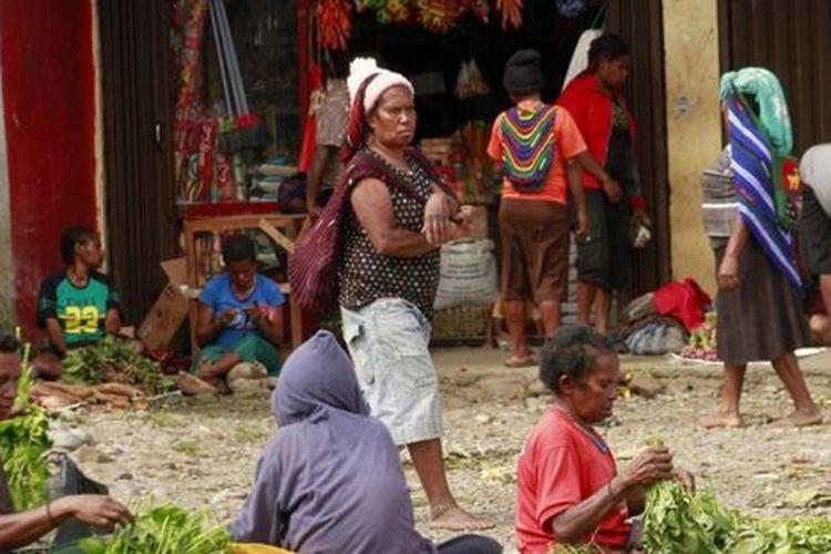 Selain kondisi pelayanan kesehatan, aktivitas perdagangan di sejumlah pasar di Wamena juga berangsur pulih, seperti di Pasar Sinakma pada Rabu (02/10) lalu