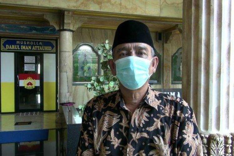 Haji Sugandi, pemilik Musholla Darul Iman Attauhid berlapis emas dan berlian di Subang. (tribunjabar/irvan maulana)