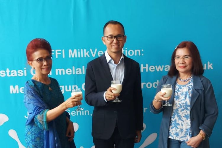 Pakar gizi dari Universitas Indonesia Prof. Dr. dr. Saptawati Bardosono, M.Sc, Director PT Frisian Flag Indonesia Andrew F. Saputro dan Pakar diet Geetruida D. Rory, S.K.M, R.D (paling kiri ke kanan) pada acara media workshop di kawasan Kebayoran Baru, Jakarta Selatan, Senin (4/11/2019).
