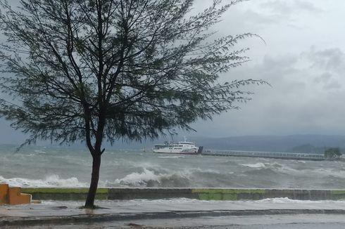 Ombak Tinggi, Penyeberangan Laut Sultra-Sulsel Ditutup Sementara