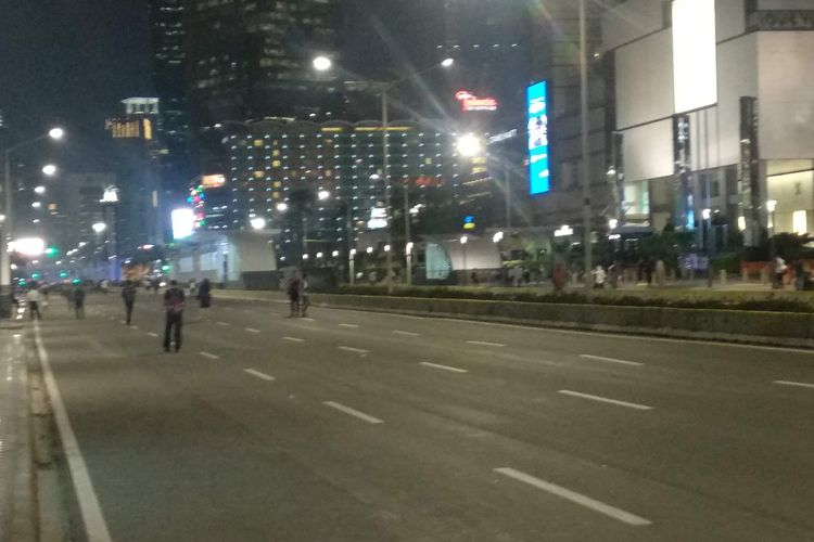 Jalan MH Thamrin kosong dan bebas dari kendaraan, Selasa (21/5/2019).