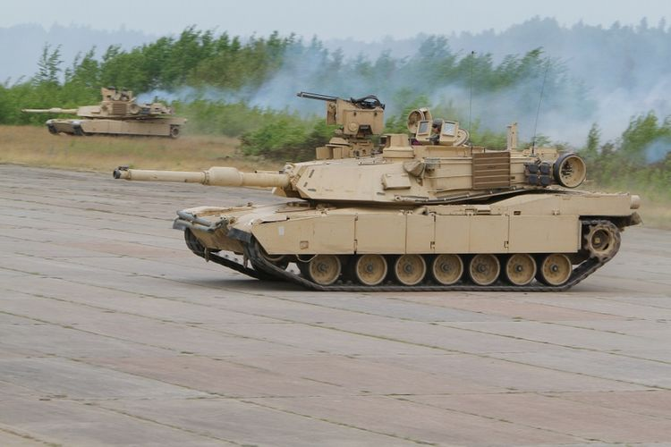 Tank M1A2 Abrams buatan AS.