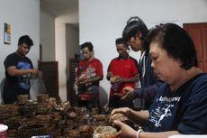 Jelang Imlek, Pesanan Kue Keranjang di Cianjur Merosot Drastis
