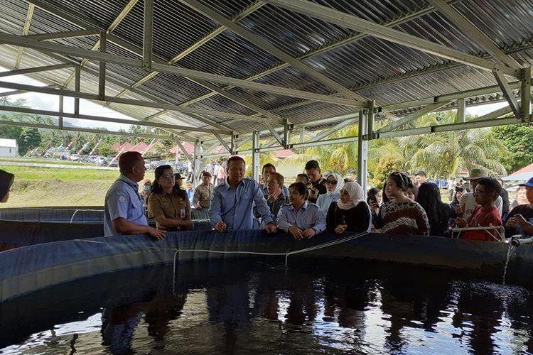 Menteri KKP Edhy Prabowo saat meninjau Balai Perikanan Budidaya Air Tawar di Tatelu, Minahasa Utara, Sulut, Selasa (18/2/2020).