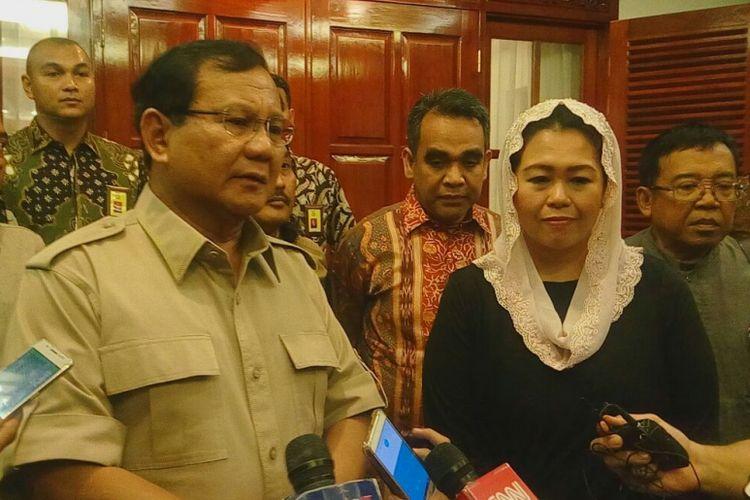 Yenny Wahid usai bertemu Ketua Umum Prabowo Subianto di kediaman Prabowo, Kebayoran Baru, Jakarta Selatan, Rabu (3/1/2018).