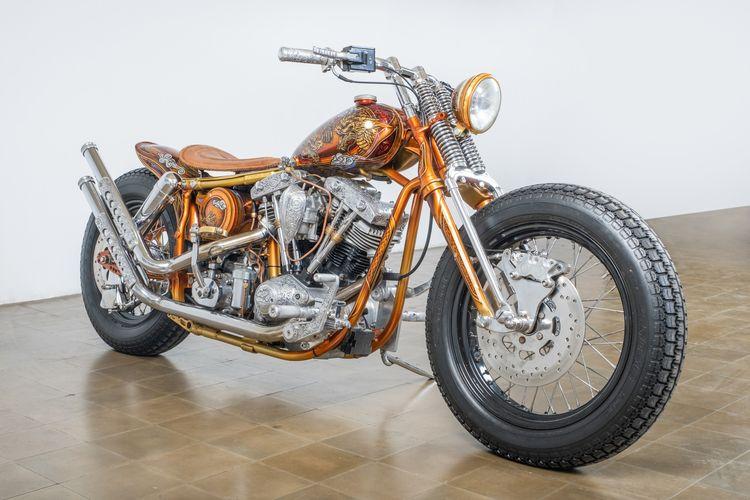 Motor custom Harley-Davidson (HD) Shovelhead bergaya bobber garapan Ndra King