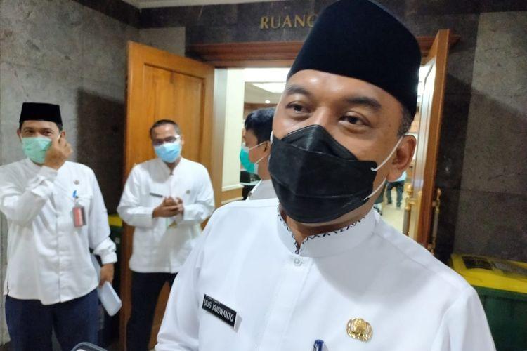 Walikota Jakarta Barat Uus Kuswanto, ditemui usai memimpin rakor virtual penanggulangan bencana tingkat kota Jakarta Barat, di ruang pola, Jumat (23/10).