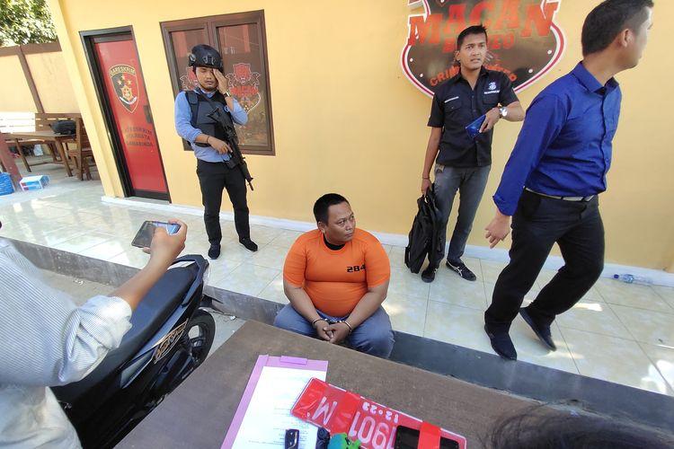 Deni Setiawan (baju tahanan) saat diamankan Satreskrim Polresta Samarinda di Kantor Mapolresta Samarinda Jalan Slamet Riyadi, Selasa (25/2/2020).