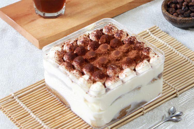 Cara membuat tiramisu dessert box rumahan yang sederhana.