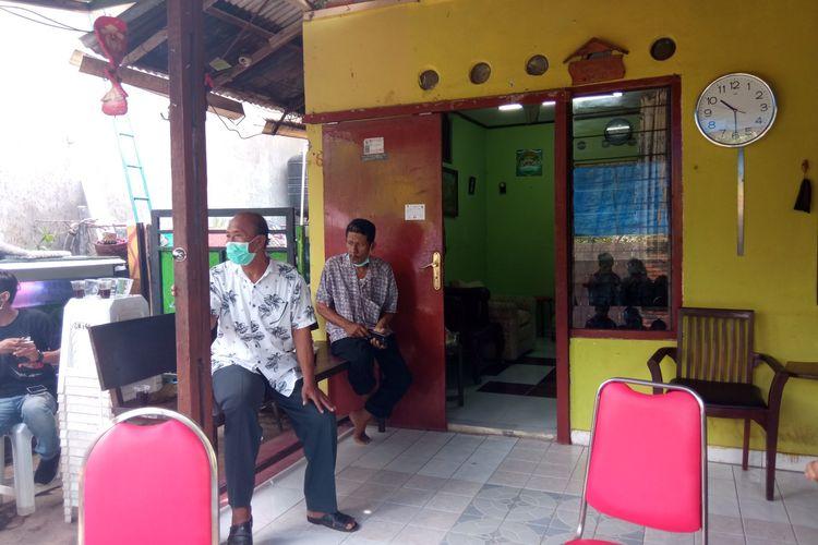 Suasana rumah kediaman salah satu pramugari Sriwijaya Air SJ 182,  Mia Tresetyani Wadu (22) di di Jalan Tukad Gangga, Gang Tirta Gangga, Denpasar, Bali, Jumat (15/1/2021).