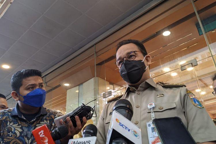 Gubernur DKI Jakarta Anies Baswedan saat ditemui di Balai Kota DKI Jakarta, Senin (5/4/2021)