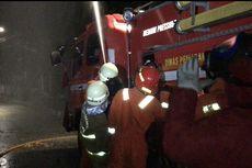 Pemadam Kebakaran Musnahkan Sarang Tawon Dekat Polsek Setiabudi karena Meresahkan Warga