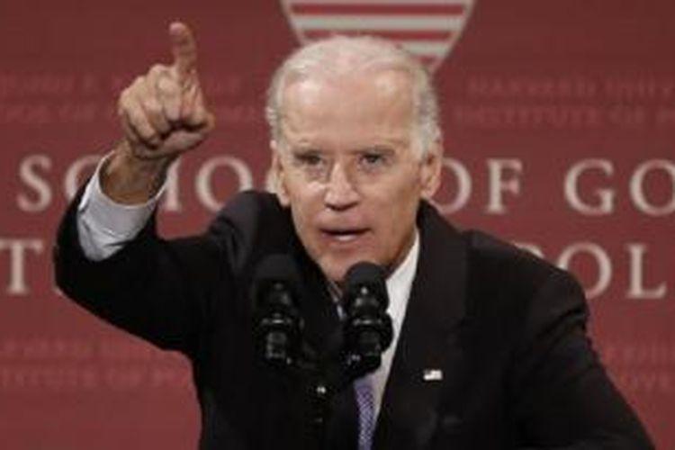 Wapres AS Joe Biden saat berpidato di Universitas Harvard