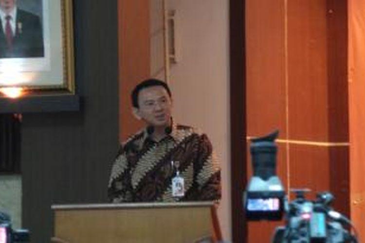 Gubernur DKI Jakarta Basuki Tjahaja Purnama saat memberikan sambutan dalam pelatihan serta penyuluhan Keluarga Berencana, di Kantor BKKBN, Jakarta, Senin (16/2/2015).