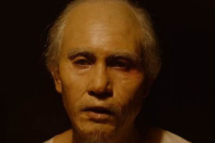 Aktor Vino G Bastian dalam perannya sebagai Buya Hamka.