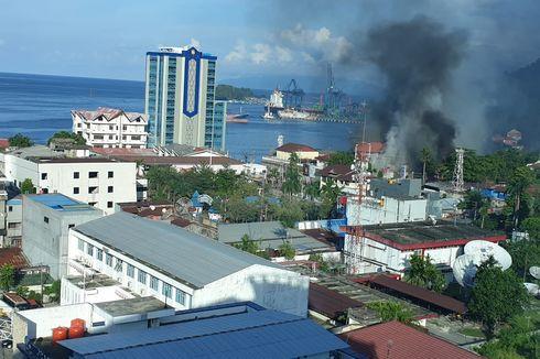 Demo Jayapura Rusuh, Massa Bakar Kantor Telkom dan Lempari Hotel