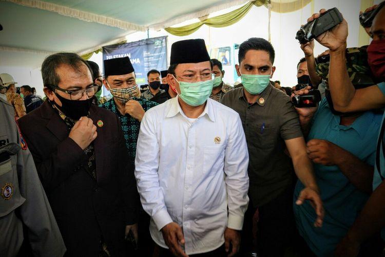Menteri Kesehatan, Terawan Agus Putranto, saat menghadiri acara peletakan batu pertama pembangunan gedung bedah sentral dan rawat inap RSNU Jombang, Jawa Timur, Sabtu (4/7/2020).