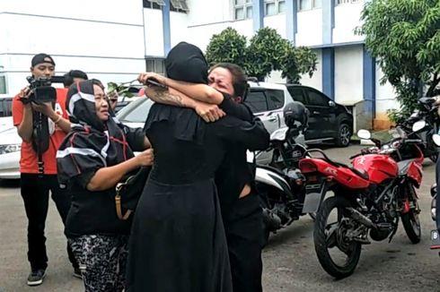 Pretty Asmara Meninggal, Kerabat Berdatangan ke RS Pengayoman