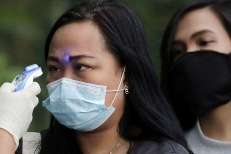 Banyak orang berburu masker selama virus corona berjangkit.