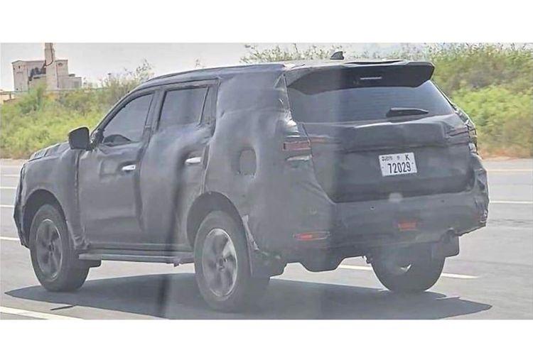 Beredar foto spyshot Nissan Terra sedang diuji di sebuah jalan umum.