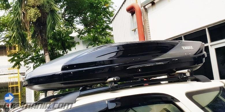 Ilustrasi roofbox dengan mobil yang sudah menggunakan roof rail