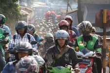 BERITA FOTO: Sesak di Jalan Tikus Pasar Minggu
